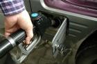 Prestigioasa revista britanica Auto Express a dedicat un articol comparand utilizarea motoarelor pe benzina cu cele pe motorina. Britanicii au arătat că multe modele cunoscute de mașini cu motoare diesel au fost rulate mai mult de 50.000 de km pe an până ca ele să ajungă la un prag în care sunt mai economice decât cele pe benzină.